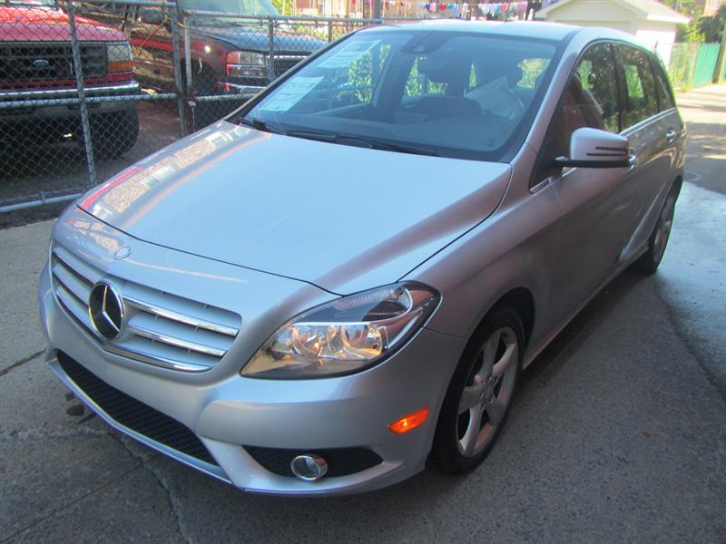Mercedes-Benz B250 2014 /* NAVIGATION * SUNROOF* 69$ SEMAINE #1990 NO ACCIDENT