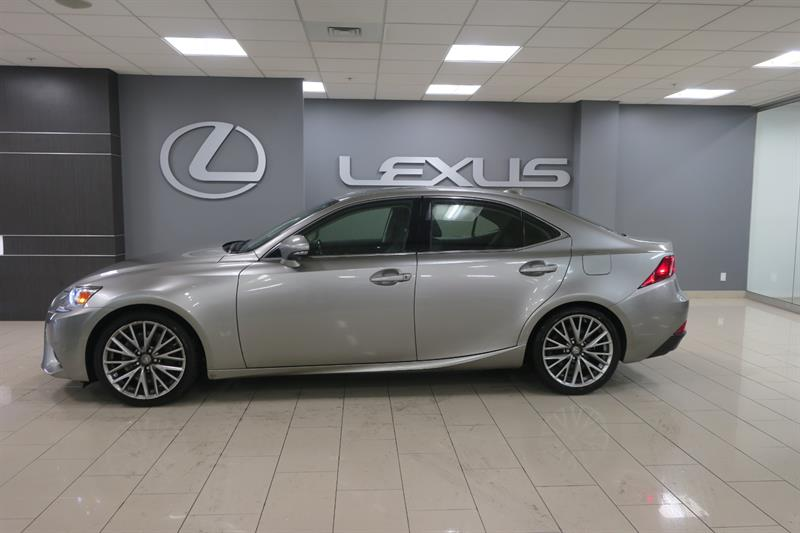 Lexus IS 300 2016 LUXE NAVIGATION #14507A