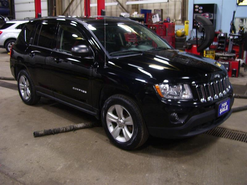 2012 Jeep Compass Sport North  Edition Engine has 83000 kms #UCD674