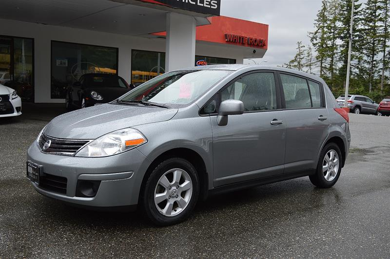 2011 Nissan Versa  SL HB - Local / No Accidents ! #CWL8519M