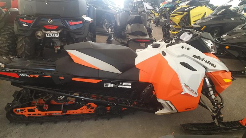 Skidoo Renegade Backcountry 800R 2015