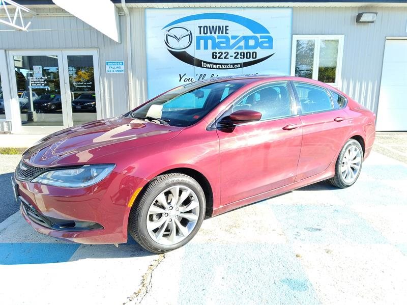2015 Chrysler 200 4dr Sdn S FWD #MM833A