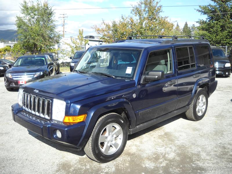 2006 Jeep Commander  4X4, Third Row Seating #3351