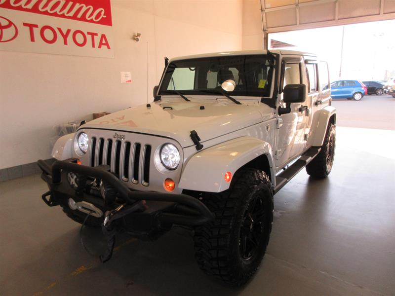2017 Jeep Wrangler Unlimited 4WD Sahara #19831A