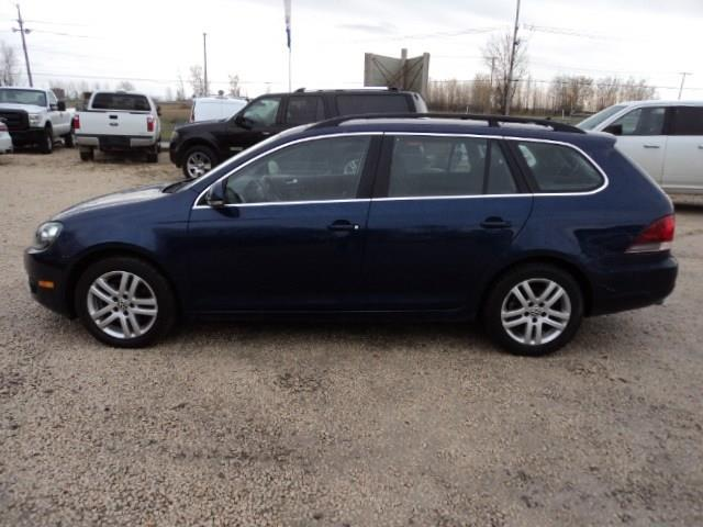 2011 Volkswagen Golf TDI Golf Wagon low kms