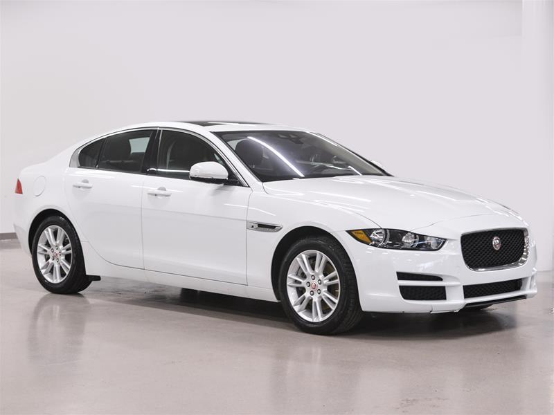 Jaguar XE 2017 2.0L AWD Premium @2.9% INTEREST CERTIFIED 6 YEARS  #17J3150A