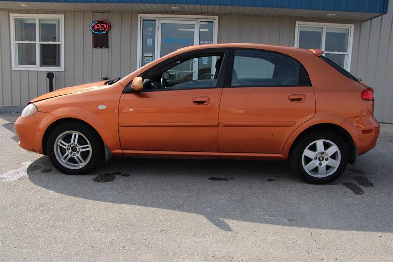 2005 Chevrolet Optra 5
