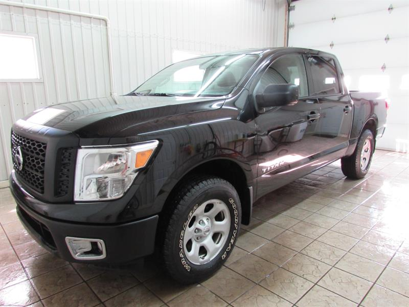 2017 Nissan Titan 4wd Crew Cab Used For Sale In Trois Rivieres At