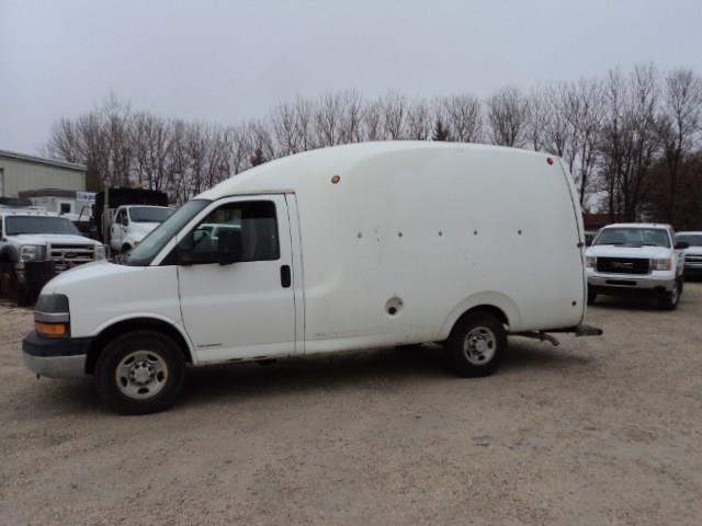 2011 Chevrolet Express 3500 Unicell Fibreglass body