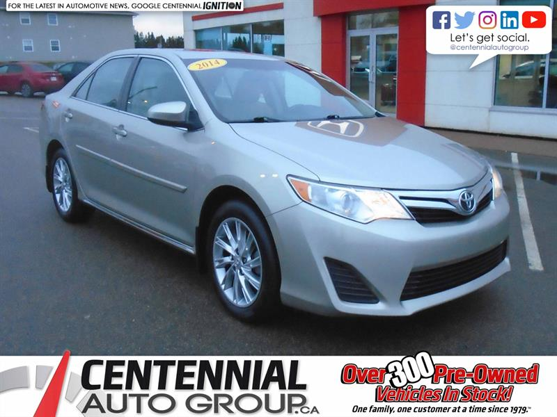 2014 Toyota Camry LE | FWD | #9561A