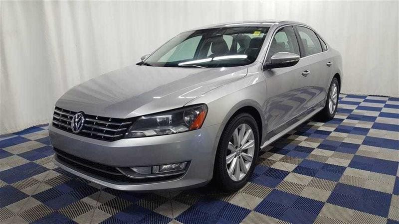 2012 Volkswagen Passat 2.5L Highline/LEATHER/SUNROOF #12VP12469