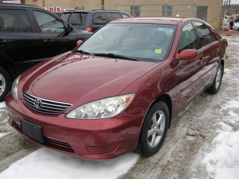 2005 Toyota Camry 4dr Sdn #079055