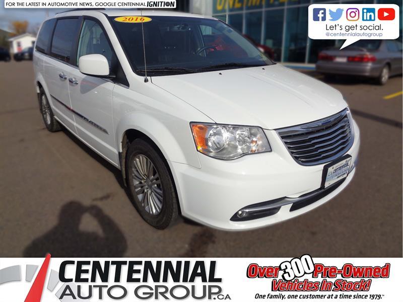 2016 Chrysler Town - Country Touring #6154TA