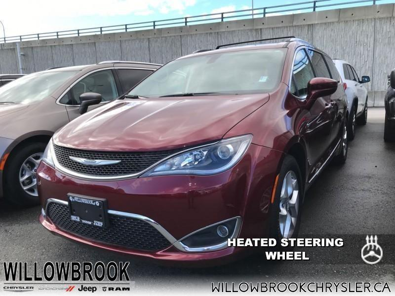 2017 Chrysler Pacifica Touring-L Plus #18UP513