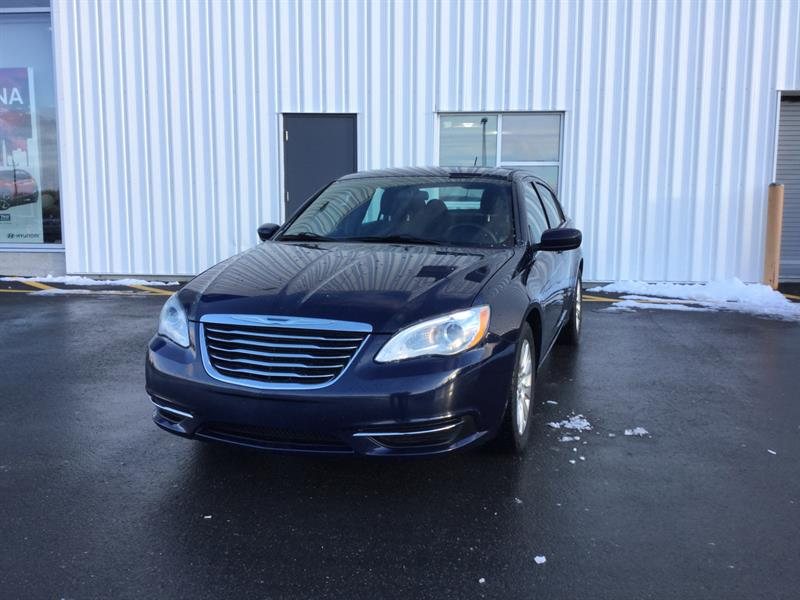 2014 Chrysler 200  LX #KO9003A