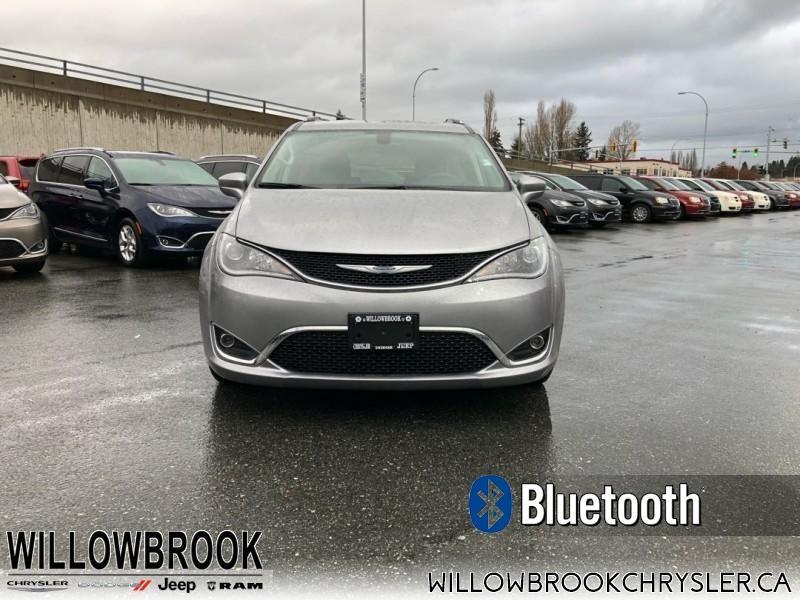 2017 Chrysler Pacifica Touring-L Plus #18UP590