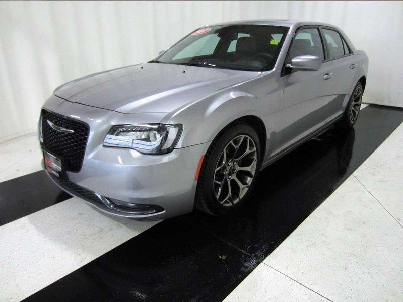 2017 Chrysler 300 300S *Leather/Navi/ Back up Camera/Sunroof* #17C357585