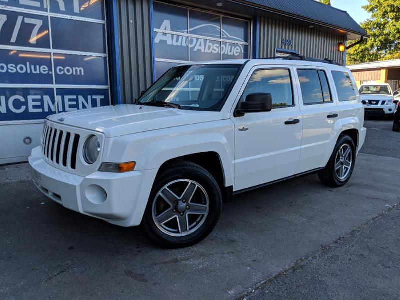 Jeep Patriot 2009 North + Mag + A/C #D0375