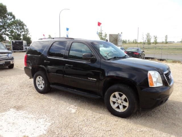 2012 GMC Yukon 9 passenger SLE loaded