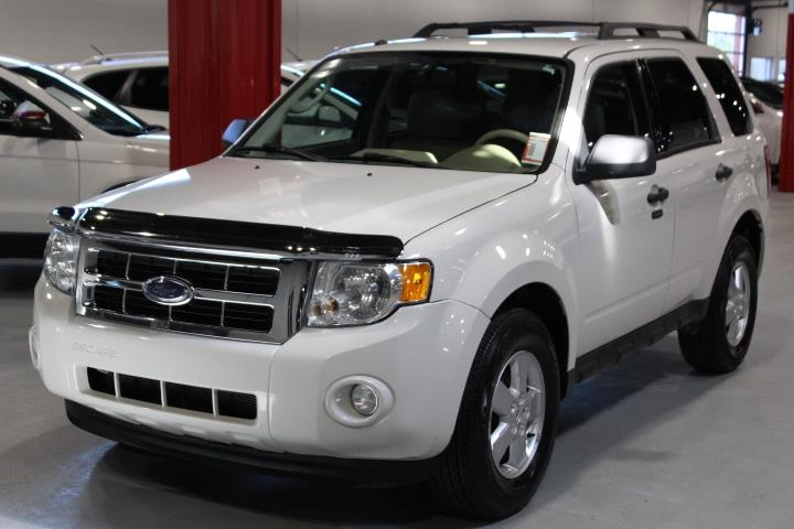Ford Escape 2009 XLT 4D Utility FWD #0000000812