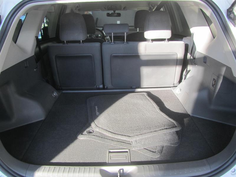 toyota Prius V 2014 - 12