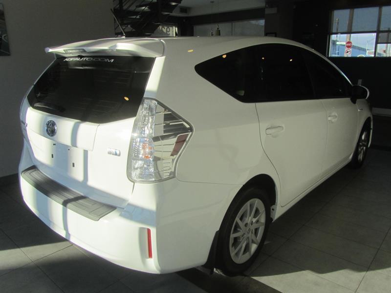 toyota Prius V 2014 - 2