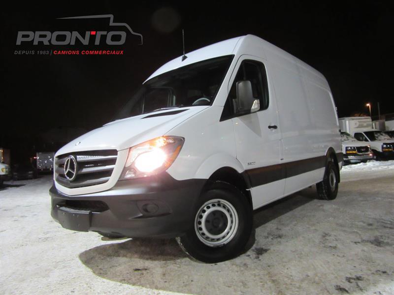 Mercedes-Benz Sprinter Cargo Vans 2015 2500 144 ** TOIT HAUT ** #1525