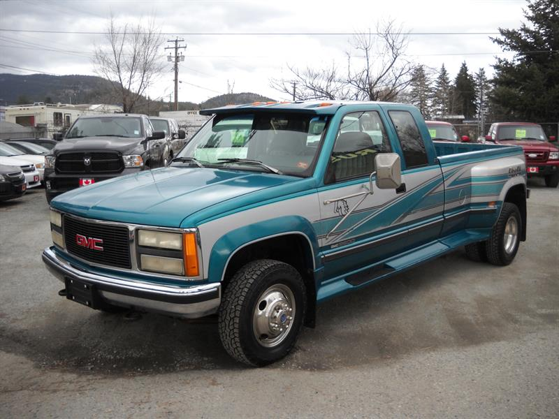 1993 GMC Sierra 3500 SLE, XCAB, 4X4, ONLY 147 KMS #3366