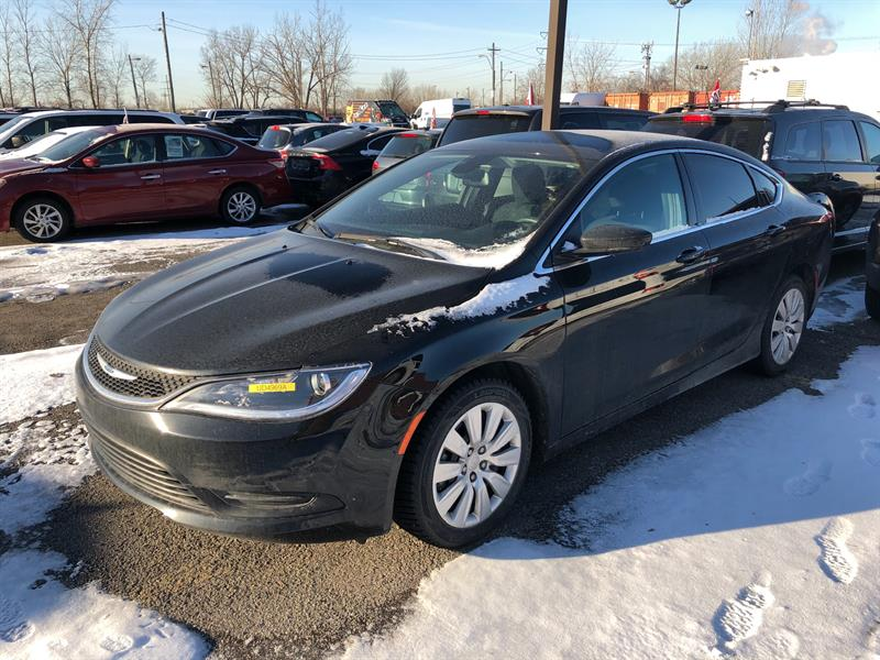 Chrysler 200 2016 4dr Sdn LX FWD #UD4969A