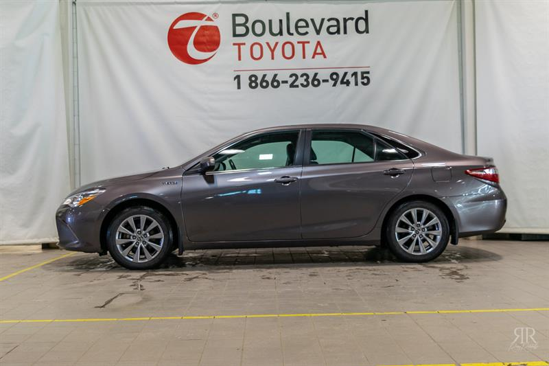 2015 Toyota Camry Hybrid * XLE * #84199A