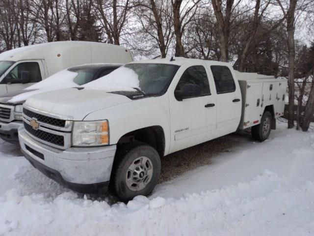 2013 Chevrolet Silverado 2500HD Crew Cab with service body