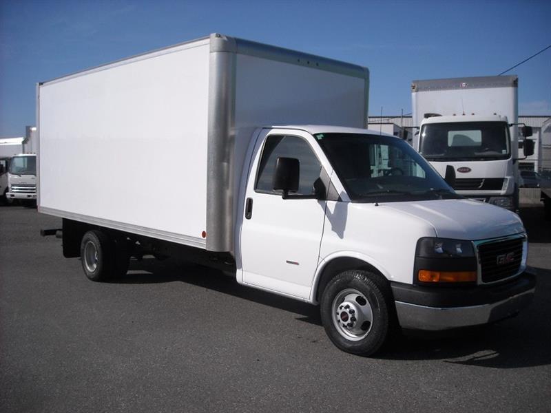 2016 GMC 16Ft Cube Van - Duramax Diesel