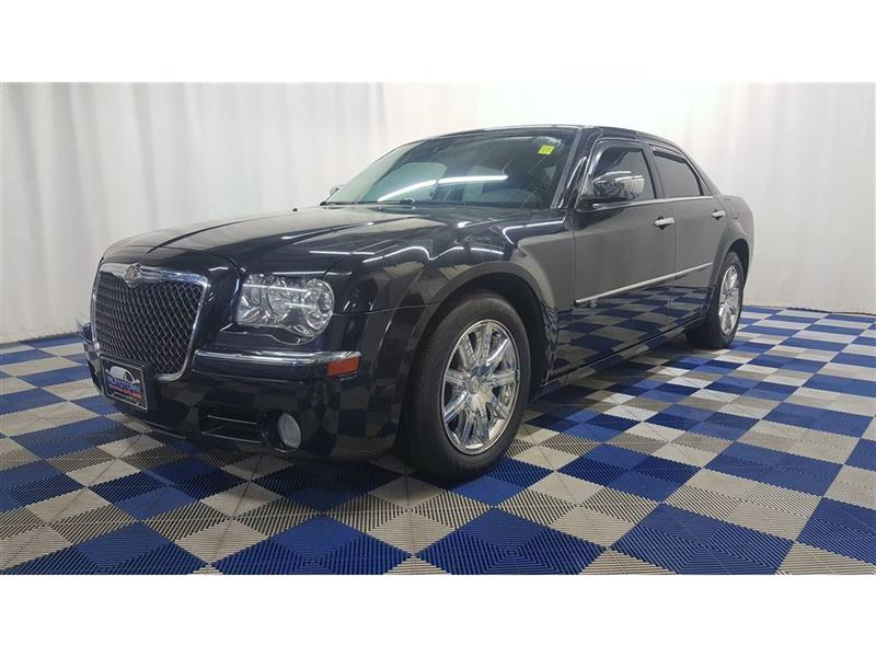 2010 Chrysler 300 C Hemi ACCIDENT FREE/LEATHER/SUNROOF/HTD SEATS #10C332814