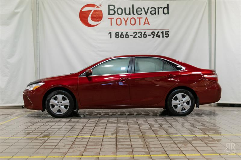 2015 Toyota Camry LE #529977