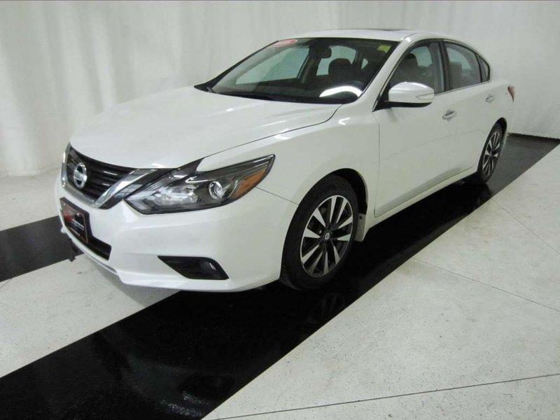 2016 Nissan Altima 2.5 SL Tech *Heated Steering Wheel/Leather* #16NA40024