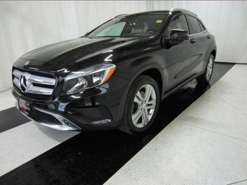 2015 Mercedes-Benz GLA-Class GLA 250 Leather interior, heated seats #15MG77570