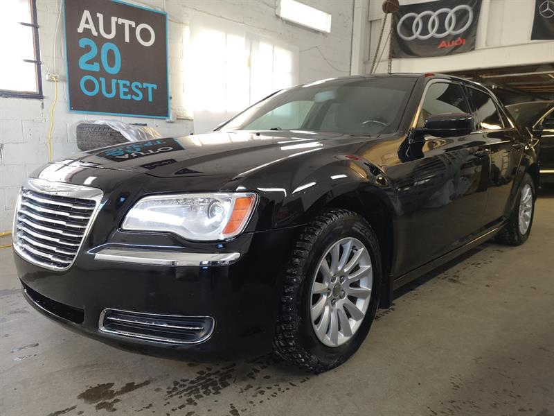 2011 Chrysler 300 4dr Sdn Touring RWD #A-19008
