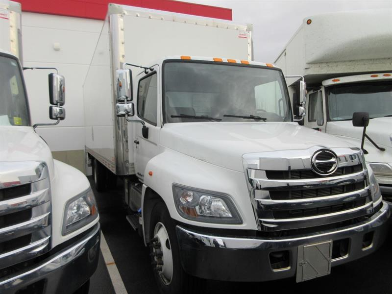 2017 Hino 338 Conv. Air Brake 26Ft Van/ 3300 lb Tailgate #U7162