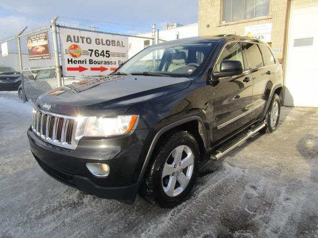 Jeep Grand Cherokee 2011 4WD,LAREDO,CUIR,TOIT PANO,MARCHE PIED,TRÉS PROPRE #19-100