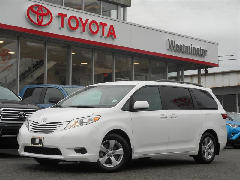2017 Toyota Sienna LE #P6789T