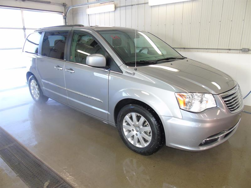2014 Chrysler Town & Country Touring, Rear View Camera, Power Doors #19-064A