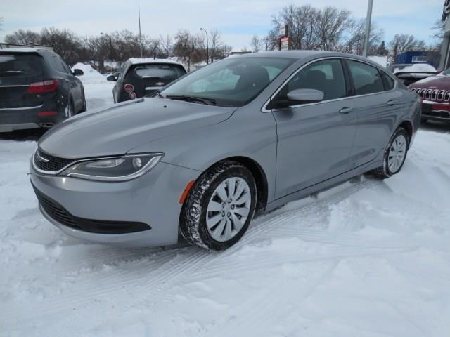 2015 Chrysler 200 LX - LOW KMS/BLUETOOTH #2875