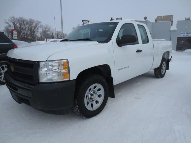 2010 Chevrolet Silverado 1500 EXT CAB 2WD **LOW KMS** #3967