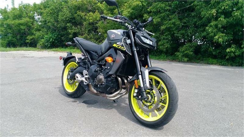 Yamaha MT09 2018 HYPER NAKED 900