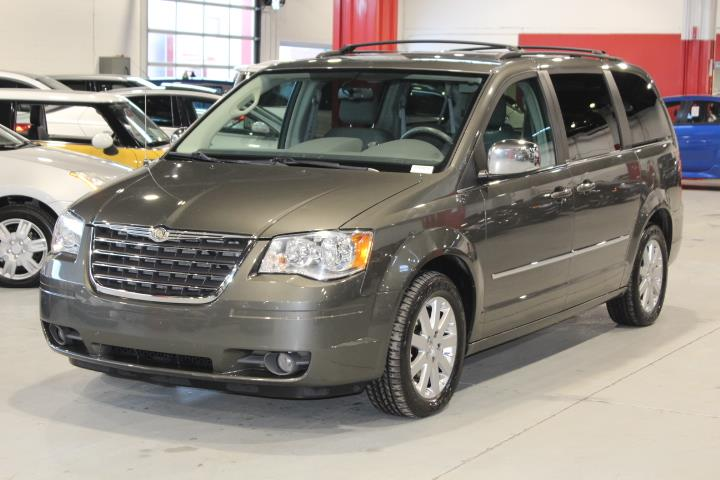 Chrysler Town & Country 2010 TOURING Wagon #0000001316