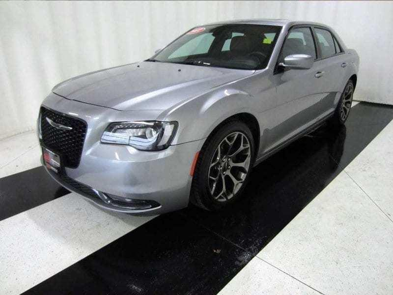 2017 Chrysler 300 300S *Leather/Navi/ Back up Camera/Sunroof* #17C357585