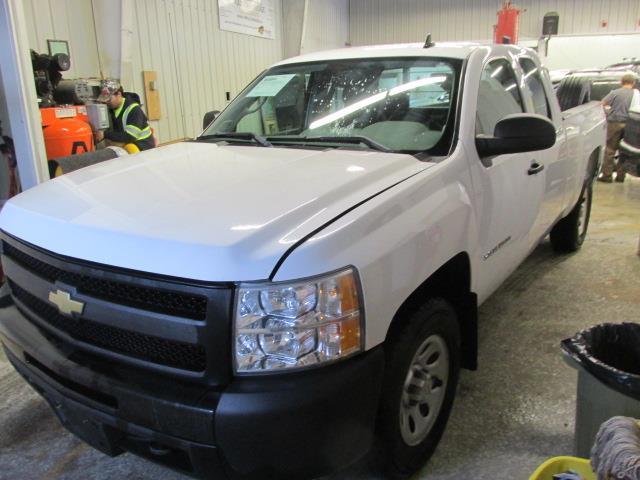 2011 Chevrolet Silverado 1500 4WD Ext Cab 143.5 WT #1114-2-28