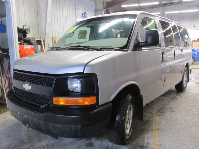 2007 Chevrolet Express Passenger AWD 1500 135 #1114-2-92