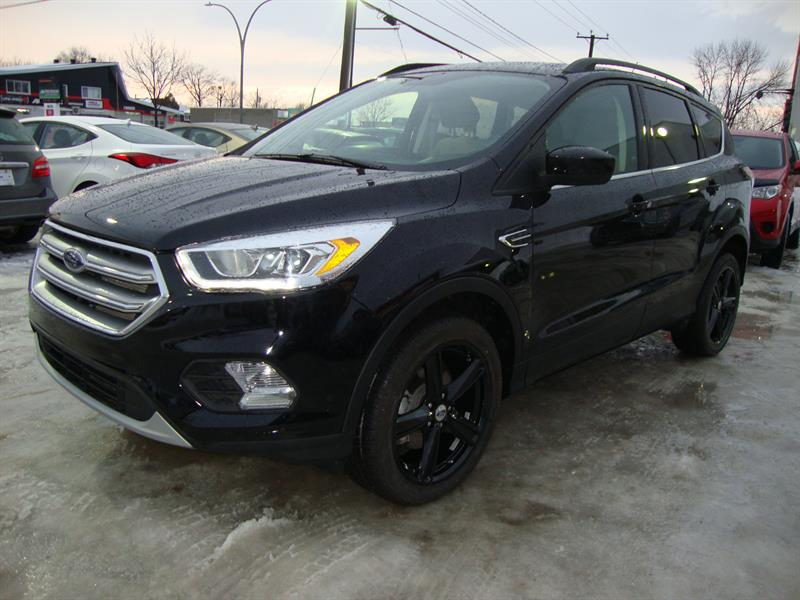 2017 Ford Escape FWD 4dr SE 18MAGS BLACK EDITION #S8