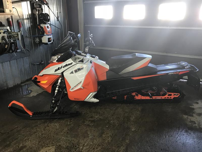 2015 Skidoo Renegade Backcountry